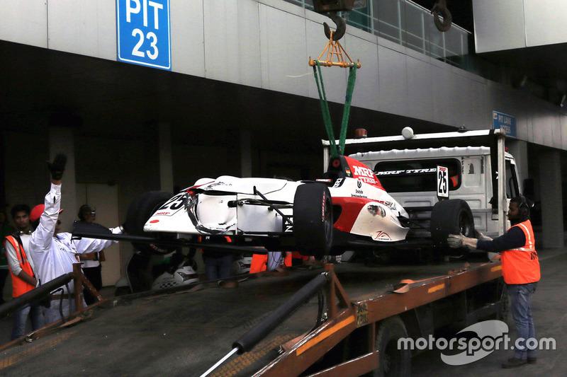 Das Auto von Mick Schumacher nach dem Unfall