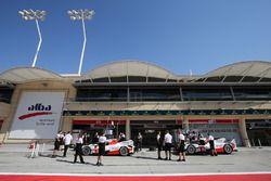 #5 Toyota Racing, Toyota TS050 Hybrid: Sébastien Buemi, Kazuki Nakajima, Anthony Davidson; #6 Toyota