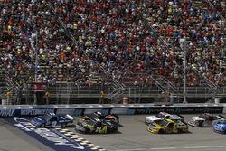 Restart: Austin Cindric, Brad Keselowski Racing Ford, führt