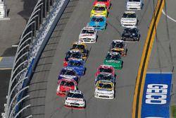 Брэд Кеселовски, Team Penske Ford, Райан Рид, Roush Fenway Racing Ford и Кейси Кейн, Hendrick Motors