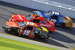 Matt Tifft, Joe Gibbs Racing Toyota, Justin Allgaier, JR Motorsports Chevrolet and Daniel Suarez, Jo