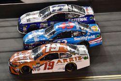 Daniel Suárez, Joe Gibbs Racing Toyota, Aric Almirola, Richard Petty Motorsports Ford, Ricky Stenhou