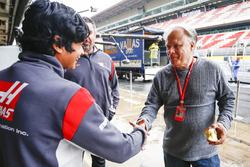 Arjun Maini, Haas F1 Team gelişim pilotu ve Gene Haas