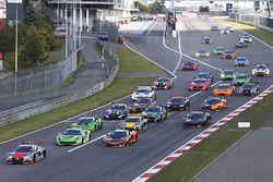 Arrancada: #5 Belgian Audi Club Team WRT Audi R8 LMS: Marcel Fassler, Dries Vanthoor