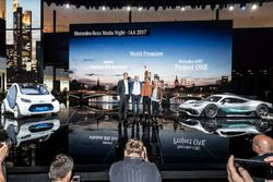 Ola Källenius, Dr. Dieter Zetsche, Chairman of the Board of Management of Daimler AG and Head of Mercedes-Benz Cars, Lewis Hamilton, Britta Seeger with the showcar Mercedes-AMG Project ONE and the smart vision EQ fortwo