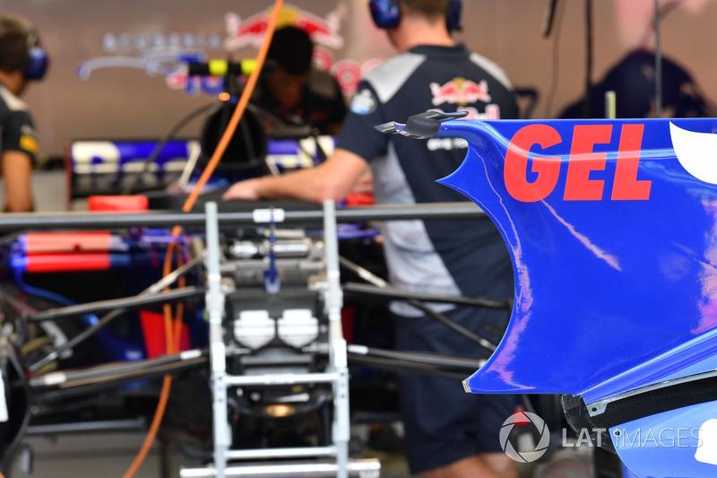 Scuderia Toro Rosso STR12, dettaglio della carrozzeria