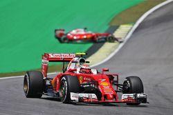 Kimi Räikkönen, Ferrari SF16-H und Sebastian Vettel, Ferrari SF16-H