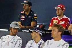 (L to R): Lewis Hamilton, Mercedes AMG F1 with Felipe Massa, Williams and Nico Rosberg, Mercedes AMG F1 in the FIA Press Conference