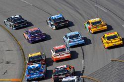 Brad Keselowski, Team Penske Ford,Denny Hamlin, Joe Gibbs Racing Toyota, Kyle Busch, Joe Gibbs Racing Toyota