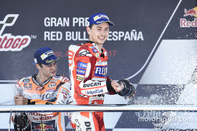 "<img src=""http://cdn-1.motorsport.com/static/custom/car-thumbs/MOTOGP_2017/RIDERS_NUMBERS/Lorenzo.png"" width=""35"" /> Jorge Lorenzo (Ducati Team)"