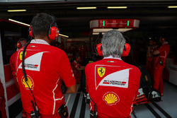 Maurizio Arrivabene, Ferrari Team Principal and Riccardo Adami, Ferrari Race Engineer