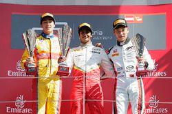 Podium: winner Raoul Hyman, Campos Racing, second place Giuliano Alesi, Trident, third place Nirei Fukuzumi, ART Grand Prix