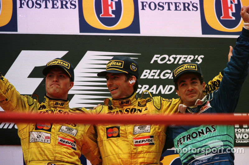 Зато Жан Алези был доволен третьим местом: это был именно тот результат (пусть и случайный), к которому он привык за годы выступлений в Ferrari и Benetton. Тогда он еще не знал, что подиум в Бельгии станет для него последним в Ф1