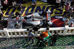 Will Power, Team Penske Chevrolet, Josef Newgarden, Team Penske Chevrolet, Alexander Rossi, Curb Her