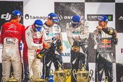Подиум: победители Отт Тянак и Мартин Ярвеоя, M-Sport, второе место – Андреас Миккельсен и Андерс Ег