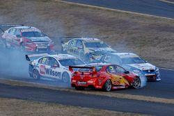 Will Davison, Tekno Autosports Holden spins