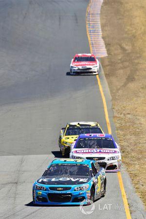 Michael McDowell, Leavine Family Racing Chevrolet, Chris Buescher, JTG Daugherty Racing Chevrolet, D