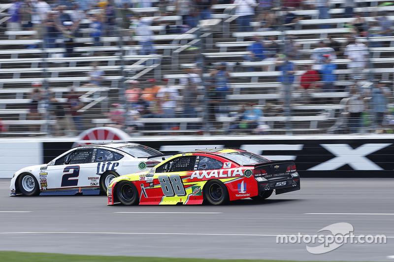 Brad Keselowski, Team Penske, Ford; Dale Earnhardt Jr., Hendrick Motorsports, Chevrolet