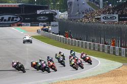 Start: Maverick Viñales, Yamaha Factory Racing leads