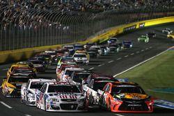 Martin Truex Jr., Furniture Row Racing Toyota lider