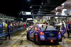 #106 Subaru Tecnica International, Subaru WRX STI: Carlo van Dam, Marcel Lassee, Tim Schrick, Hideki Yamauchi