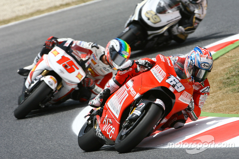 2009: Ducati, 13º no campeonato (104 pts), 1 pódio, 17 corridas