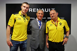 Sergey Sirotkin, Renault Sport F1 Team Test Driver, Boris Rotenberg, SMP Bank and SGM Group Co-Owner and Frederic Vasseur, Renault Sport F1 Team Racing Director
