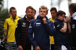 Marcus Ericsson, Sauber et Jenson Button, McLaren