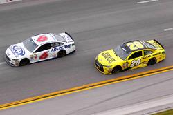 Matt Kenseth, Joe Gibbs Racing Toyota, Trevor Bayne, Roush Fenway Racing Ford