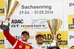 Podio: ganador de la carrera#77 Callaway Competition, Corvette C7 GT3: Jules Gounon, Daniel Keilwitz