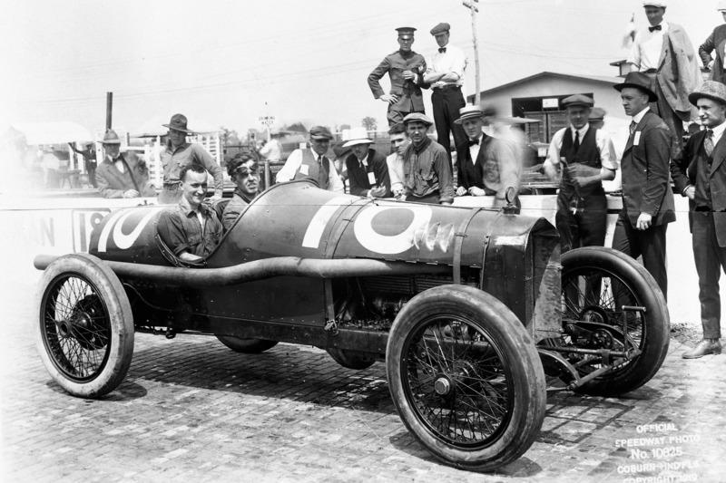 1921: Томми Милтон