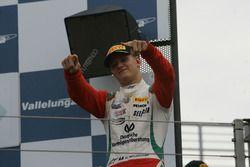 Mick Schumacher, Prema Powerteam festeggia la sua vittoria sul podio