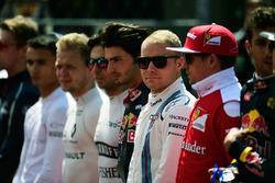 Valtteri Bottas, Williams as the grid observes the national anthem