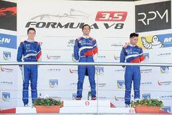 Матевос Исаакян, SMP Racing; Егор Оруджев, Arden Motorsport; Матье Ваксивьер, SMP Racing