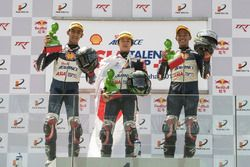 Podium: race winner Ai Ogura, second place Andi Izdihar, third place Somkiat Chantra