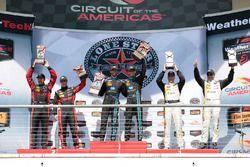 Podium: Sieger #10 Wayne Taylor Racing, Corvette DP: Ricky Taylor, Jordan Taylo; 2. #31 Action Expre