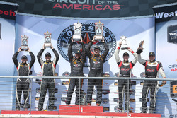 Podio ST clase: los ganadores de carrera #56 Murillo Racing Porsche Cayman: Jeff Mosing, Eric Foss, segundo lugar #93 HART Honda Civic Si: Chad Gilsinger, Ryan Eversley, tercer lugar #19 RS1 Porsche Cayman: Greg Strelzoff, Connor Bloum