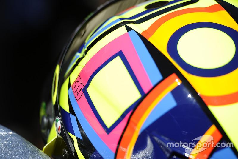 Valentino Rossi, Yamaha Factory Racing, avec le numéro 39 de Luis Salom sur son casque