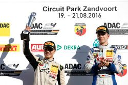 Podium: 2.Lirim Zendeli, Mücke Motorsport; Sieger Mike David Ortmann, Mücke Motorsport