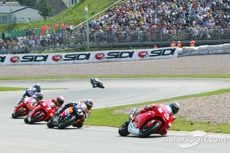 Max Biaggi, Marlboro Yamaha Team leads