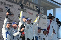GTLM podium: Oliver Gavin, Tommy Milner, Corvette Racing, segundo, Ryan Briscoe, Richard Westbrook,