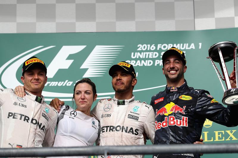 Mercedes, 2016 Amerika GP ile 2016 Abu Dhabi GP arası 4 yarış