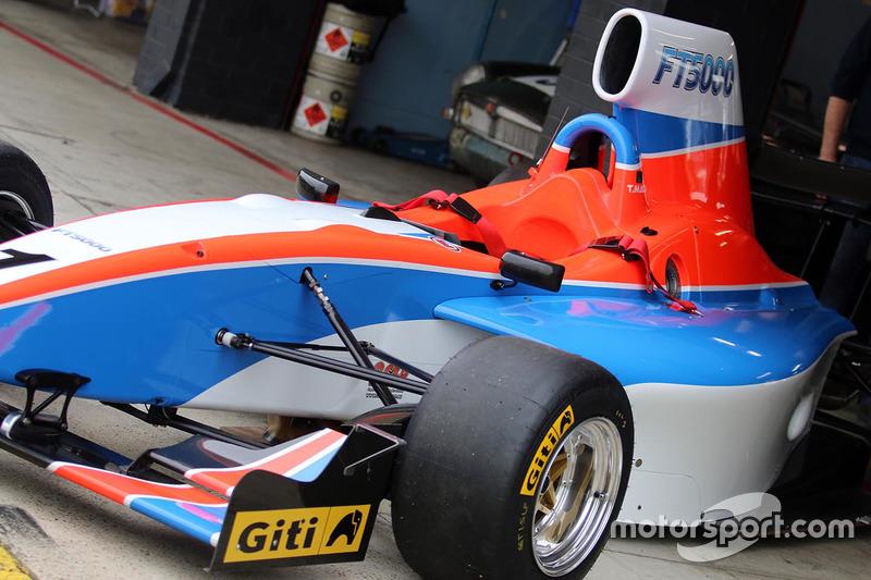 Тесты автомобиля Формулы Thunder 5000
