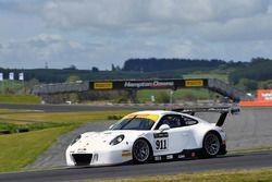#911 Walkinshaw GT3 Porsche 911 GT3-R: John Martin, Duvashen Padayachee