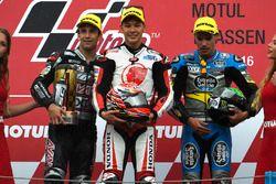 Podium : le vainqueur Takaaki Nakagami, Honda Team Asia, le deuxième Johann Zarco, Ajo Motorsport, et le troisième Franco Morbidelli, Marc VDS