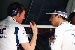(L to R): Rob Smedley, Williams Head of Vehicle Performance with Felipe Massa, Williams