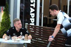 Kevin Magnussen, Renault Sport F1 Team et Stoffel Vandoorne, réserviste de McLaren