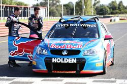 Daniel Ricciardo, Red Bull Racing maneja un V8 Supercar con Jamie Whincup, Triple Eight Race Enginee