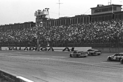 Dale Earnhardt takes the victory ahead of Ernie Irvan
