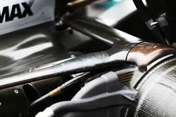Renforcement de la suspension arrière de la Mercedes AMG F1 W07 Hybrid